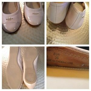 Coach Shoes - Coach ballet flats sz 6 tan